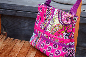 レア★Zippidy Tote Crossroads Collection in Very Berry Paisley