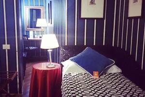 フィレンツェでは四つ星ホテルに泊まることにしました。一泊だけ贅沢。